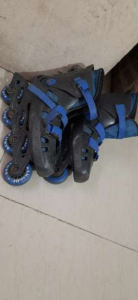 Inline skates for 8 to 11 year kids