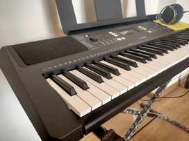 Combo ! 62 keys piano and rosewood fretboard guitar