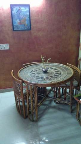 Cane 4 seater dining table in great condition as