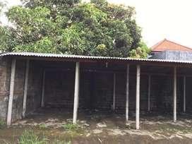Tanah dikontrakan dengan garase 6 unit mobil