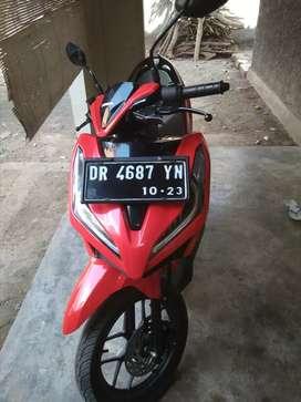VARIO 125 warna merah ferari 700 km