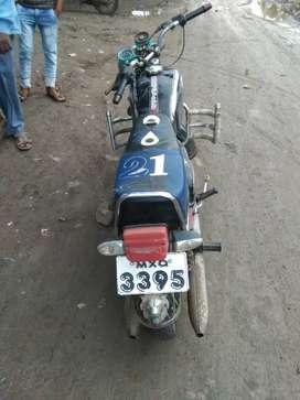 250 deluxe yezdi full conditon bike