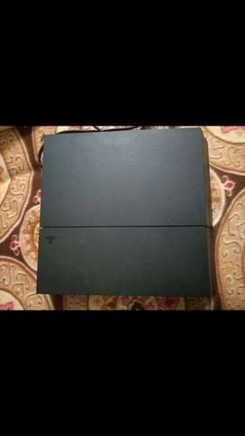PS4 1TB (100% condition)
