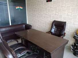 1 big director cabin and 17/18 workstation fully furnished office rent