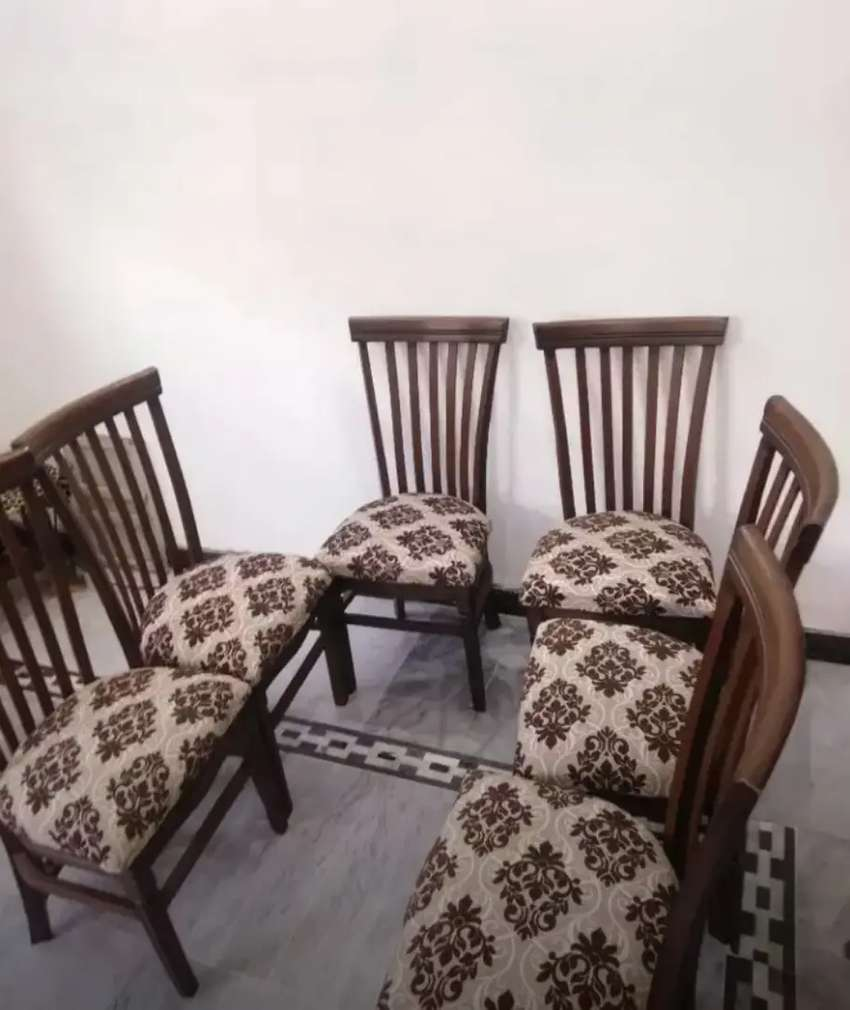 Imported 6 seater dining table set only 25999