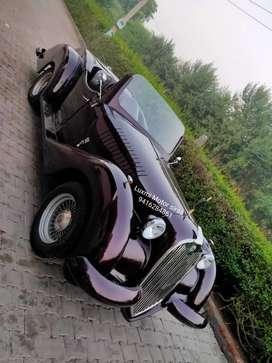 Vintage wedding replica car