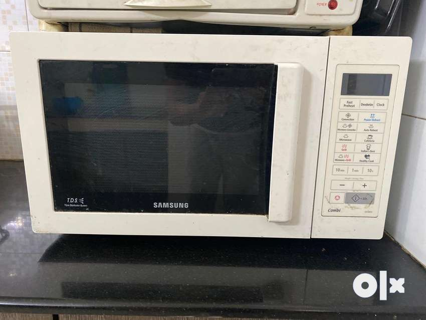 Large capacity Samsung Convection microwave oven