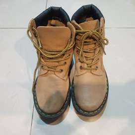 Dr. Martens Safety Boots Cream Size 38