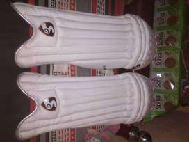 New cricket kit .Unused all things naya cricket kit