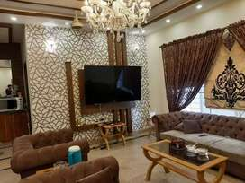 10 Marla Fully Furnished Lexury house for rent at bahria Town Lahore