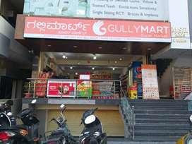 sales girls in super market