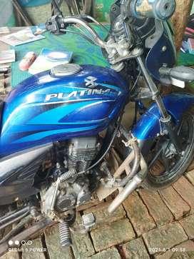 Bajaj platina 125cc . Model 2009.