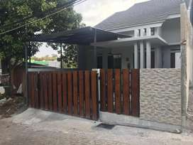 Dijual Rumah LT/LB 150/90 m², lokasi Strategis, Banyumanik, Semarang,