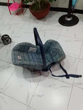 Carry cot 3..condition.8/10.