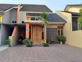 Rumah pinggir Aspal utara Rs Harjolukito