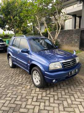 Suzuki Escudo 2.0 Manual Biru 2002