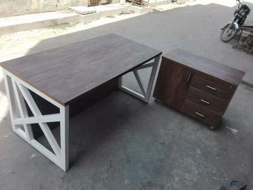 Elegant Executive table in tactile sheet