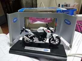 Welly Honda CB 500F scale 1:18 miniature