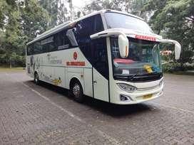 Big Bus Hino 60 seat Warna Putih