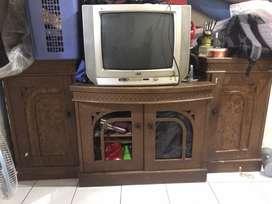 NEGO Meja TV lemari TV + tv tabung 21inchi
