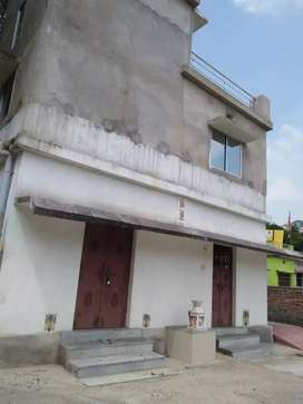 House sell in kashbhal line road to 200 to 300 meters.