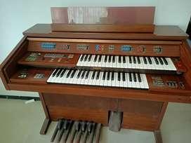 Piano Yamaha Antik