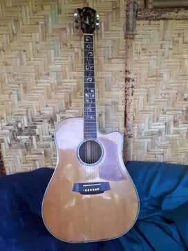 Guitar custom suara ok