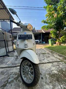 Jual vespa sprint iget 150 TH 2019