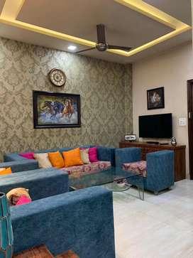Super Luxurious Ground Floor 162 Sq Yds