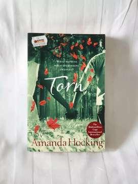 Buku-Torn-Amanda Hocking