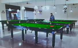 4 snooker and 2 pool table