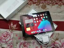Ipad 8th gen (128gb) wifi only.1 yr ki wrnty bhi h (11 feb 2022 tak)
