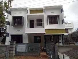 House at Choondy, Aluva 46 lakhs
