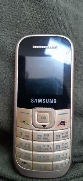 GT-E200Y Samsung
