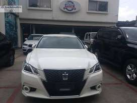 Toyota Crown 2013 Get on easy Monthly installment..