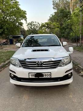 Toyota Fortuner 2011-2016 4x2 AT, 2012, Diesel