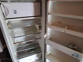 Whirlpool Refrigerator 220 Ltr