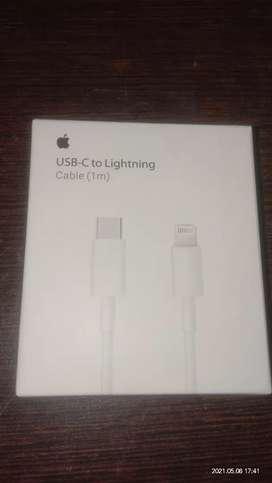 Apple USB-C to Lightning Cable 1m + lightning to usb csble 1m