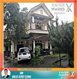 Rumah Mewah Pinggir Jalan Aspal dekat Dinkes