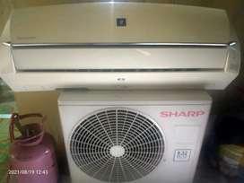 Di jula unit AC SHARP 1 PK kondisi di jamin garansi.