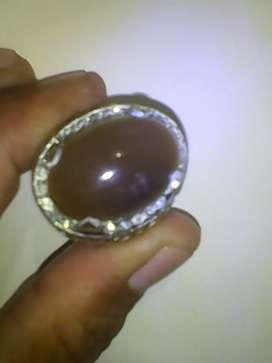 Batu aki coklat