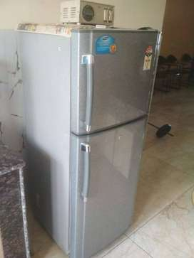 Samsung double door 250 litre fridge