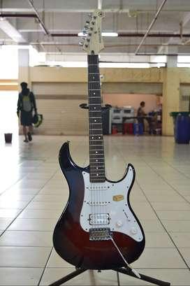 gitar yamaha pac 112j