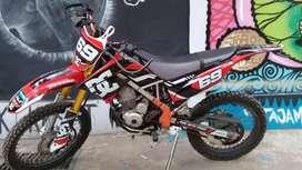 Jual motor kawasaki klx  bekas 150 (modif trail)