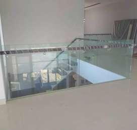 """Railing tangga dan balkon stainless kaca tempered """"3821"""