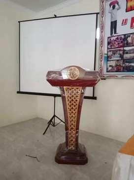 Mimbar podium ceramah ukir motif bunga antiq