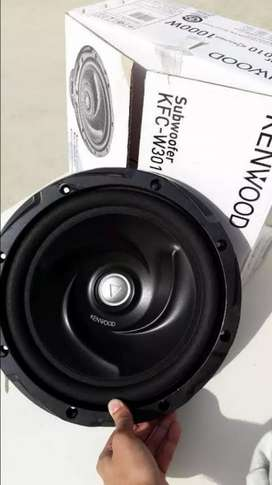 Kenwood 1000watt subwoofer with box