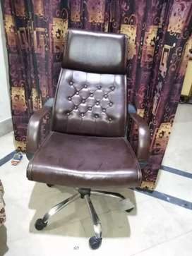 Rewolving chair with Table for sale 2 sets are available.Per set 8000