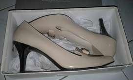 sepatu elizabeth, hils 7cm, baru sekali pakai, mulus