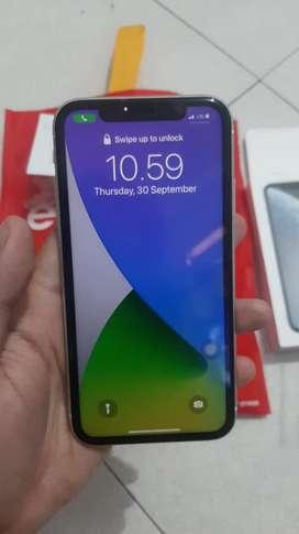Iphone XR 64 GB garansi resmi IBOX